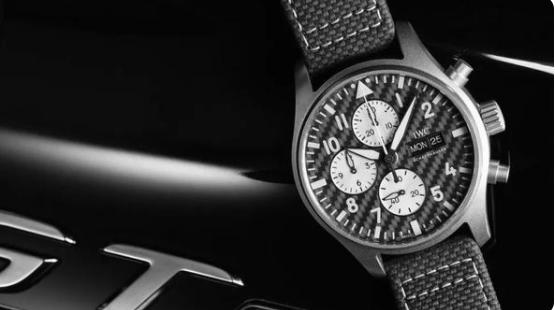 """万国表联手梅赛德斯-AMG发布全新飞行员计时腕表,""""AMG""""特别版"""
